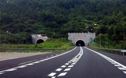 广东梅河高速蔡岗隧道